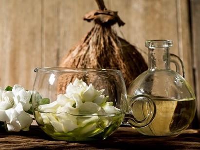 bougie monoï tiaré ylang-ylang audine annecy
